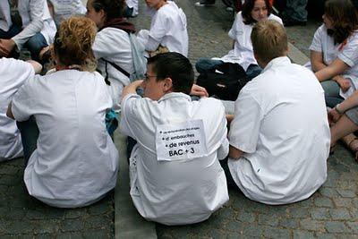 Les élèves infirmiers en colère